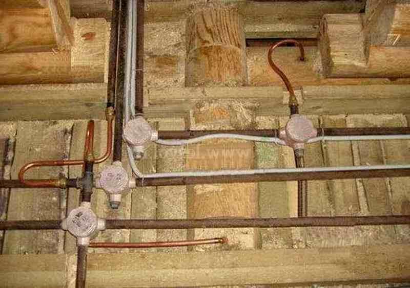 Схемы разводки проводки в деревянном доме