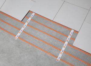 Аморфно металлическая лента под плитку