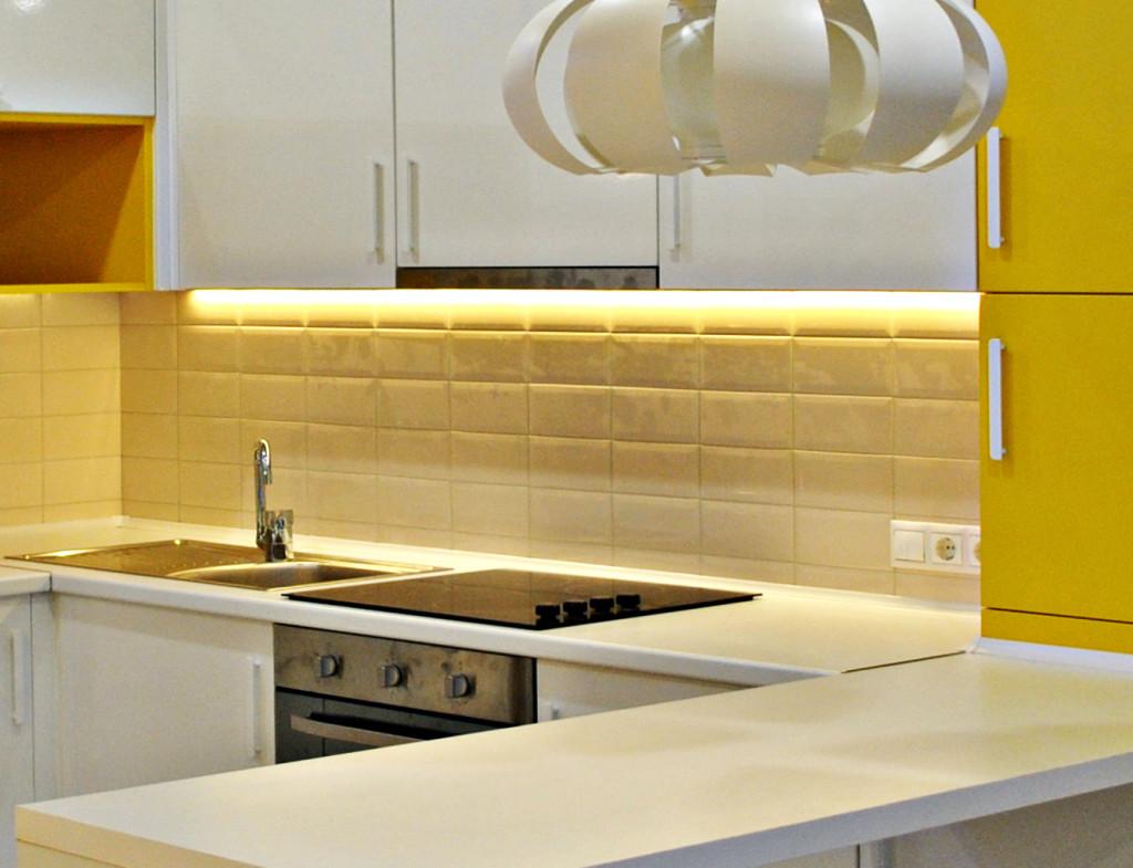 Линейная подсветка рабочей зоны кухни
