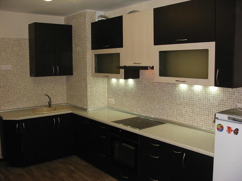 Направленное освещение на классической кухне