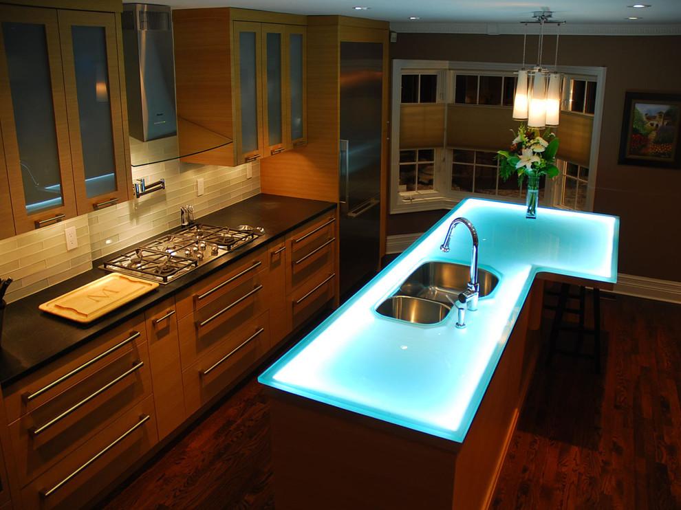 Светящаяся рабочая зона на кухне