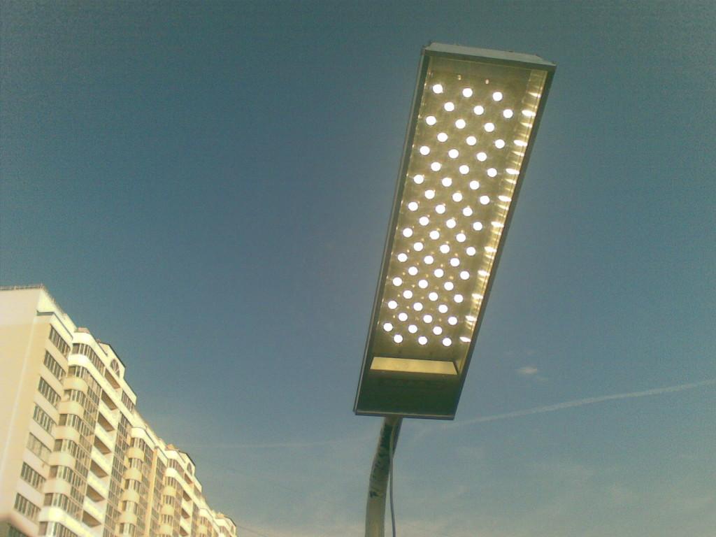 Уличный светодиодный фонарь высокой мощности