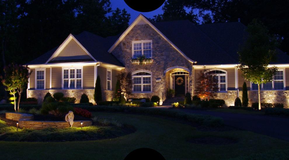 Заливное освещение фасада при помощи светодиодных прожекторов