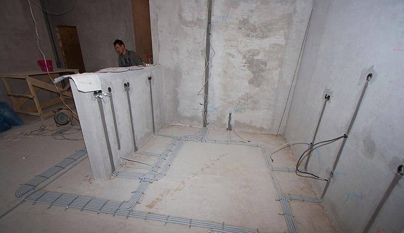 Монтируем проводку в квартире панельного дома