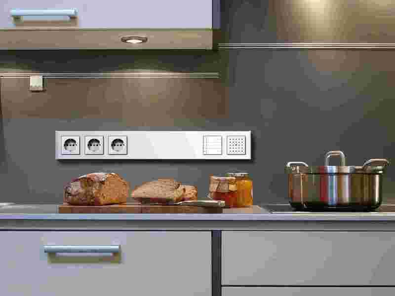 Расположение розеток и выключателей рабочей зоны кухни