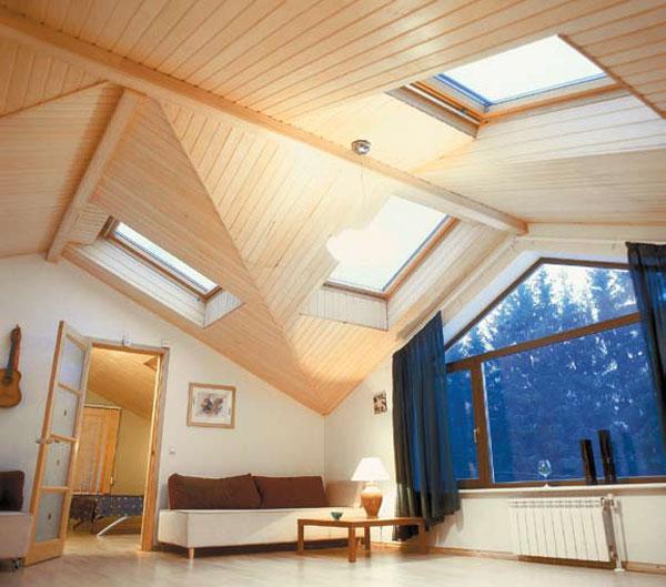 Комбинированное естественное освещение комнаты