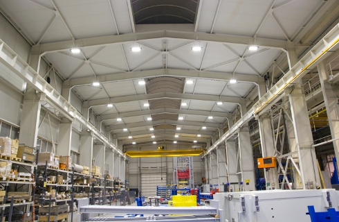 Освещение безопасности в производственных помещениях