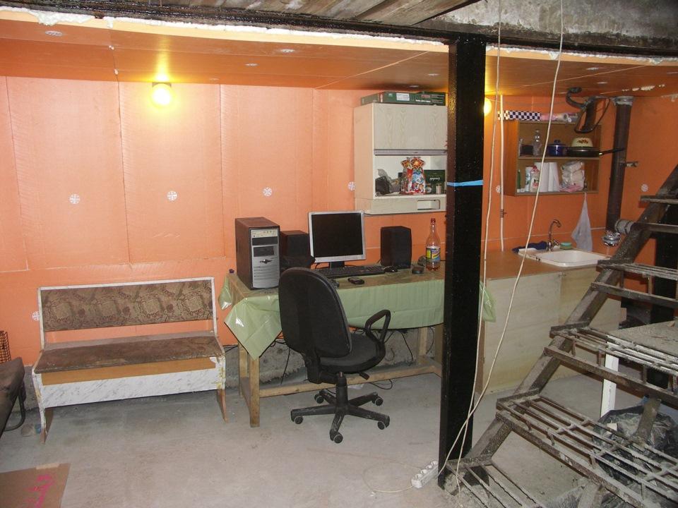 Освещение зоны отдыха гаража