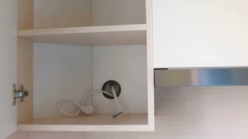 Розетка под вытяжку внутри мебели
