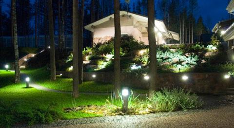 Создаем освещение сада своими руками