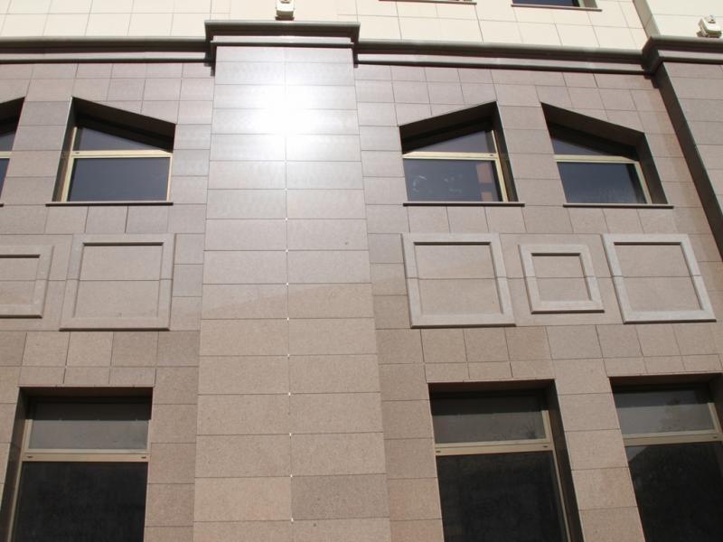 Фасад с гладкой блестящей поверхностью