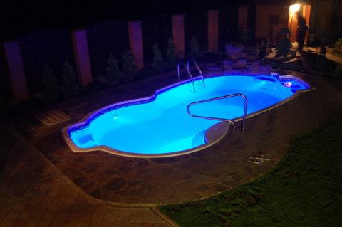Светодиодное освещение для бассейна – эффективно, надежно и долговечно