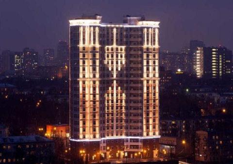 Зависимость освещения фасада от места расположения здания
