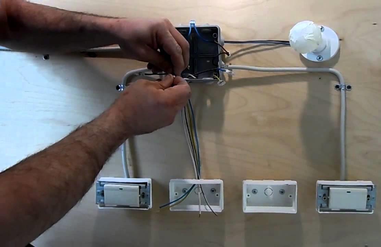 Собираем схему управления освещением из четырех мест