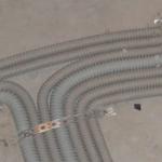 Фиксация труб на полу перед заливкой бетона
