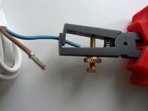 Зачистка провода