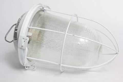 Защитная сетка на светильник