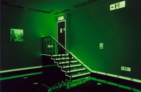 Аварийное освещение лестницы