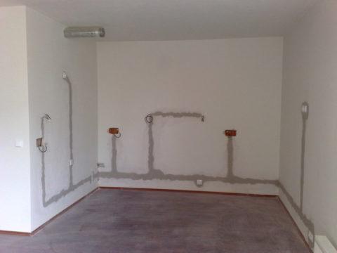 Скрытая проводка в помещении из несгораемых материалов
