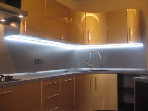 Светодиодное освещение рабочей зоны кухни