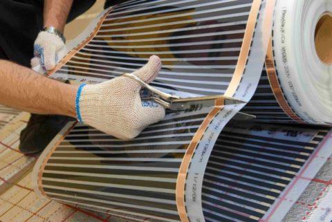 Греющую пленку можно нарезать отрезками произвольной длины