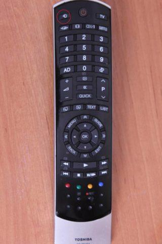 Кнопка Input на пульте от телевизора
