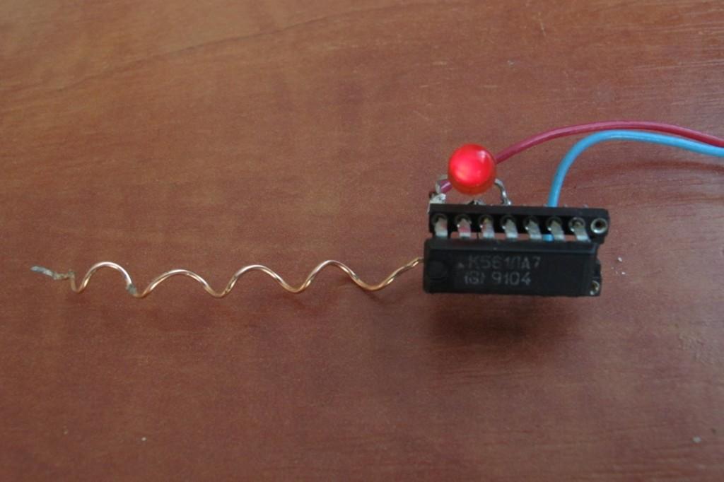 Детекторы проводки своими руками