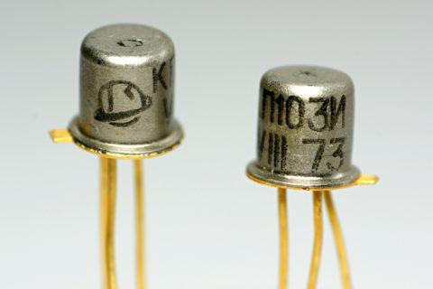 Транзистор КП103 в металлическом корпусе