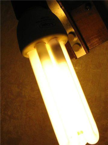 Лампа стала светить с пропусками или погасла вовсе