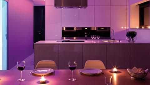 Подсветка кухни светодиодной лентой с приглушенной яркостью