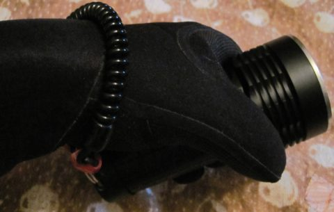 Самодельное крепление для подводного фонаря на руку