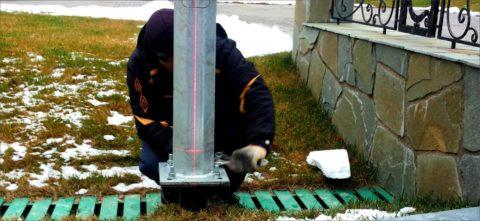 Монтаж фонарного столба на фундамент