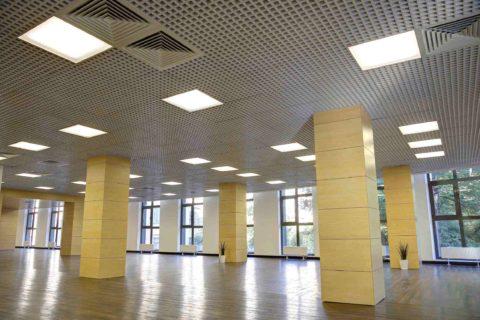 Общее освещение офисного помещения