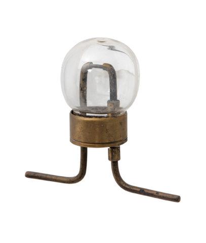 Одна из первых электрических ламп