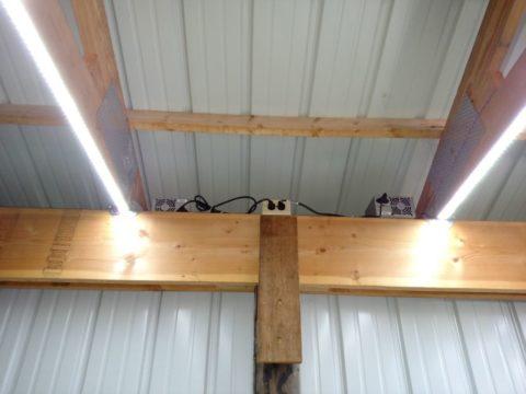 Освещение гаража светодиодной лентой, запитанной от блоков питания для компьютеров