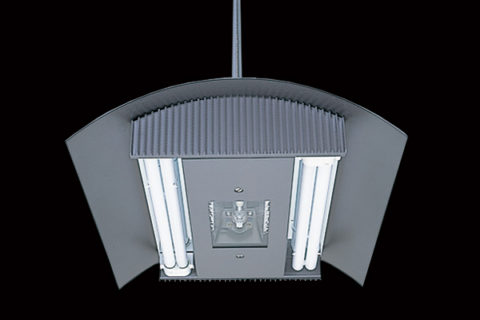 Светильник от компании ADA на люминесцентных и металлогалогеновых лампах