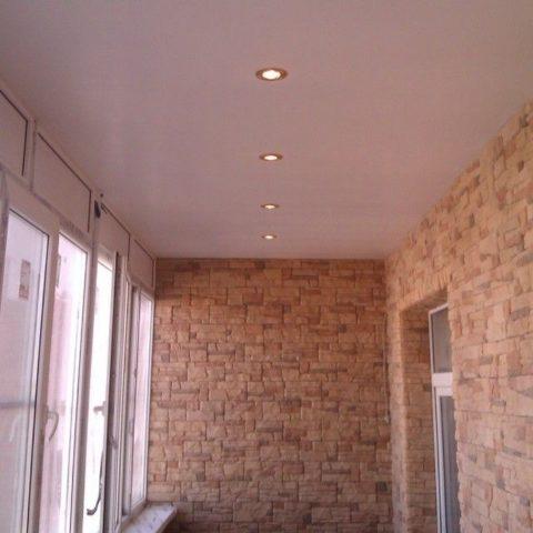 Точечное освещение для балкона