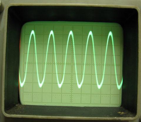 В первую очередь добиваемся максимального сигнала высокой частоты правильной формы