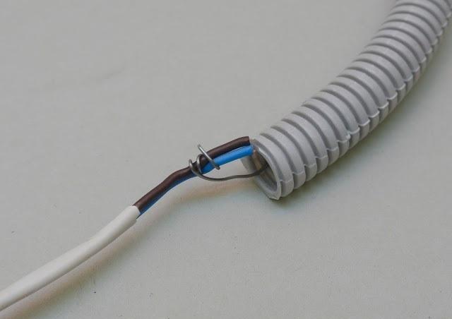 Монтаж электропроводки в стяжке в квартире и частном доме