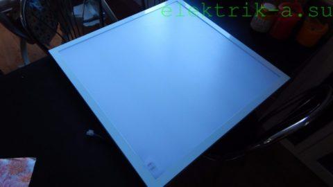 Led-панель светимостью 2500 люменов и мощностью 30 Вт