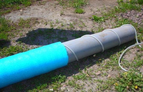 Обогрев канализации: кабель монтируется снаружи трубы