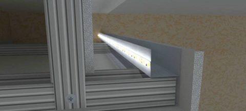 Светодиодная лента закреплена на профиле и обращена внутрь конструкции, при этом профиль ПНП служит теплоотводом