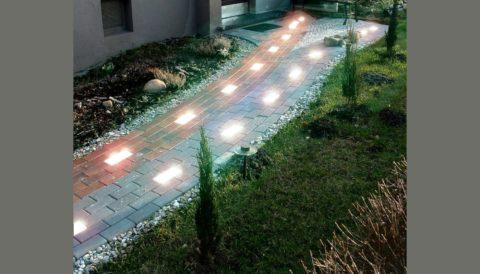 Светильники, вмонтированные в дорожку