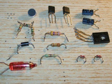 Практически все необходимые детали для сборки акустического реле (транзисторы импортные)
