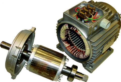 Цилиндр на валу снизу – это и есть ротор