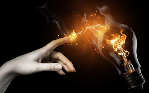 Электричество не огонь, но играть с ним не менее опасно
