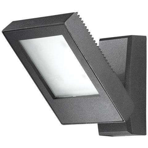 Данный светильник монтируется прямо на стену дома