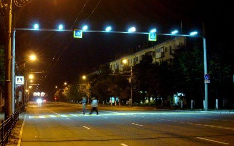 Уличные лампы освещения на переходах должны иметь другой цвет