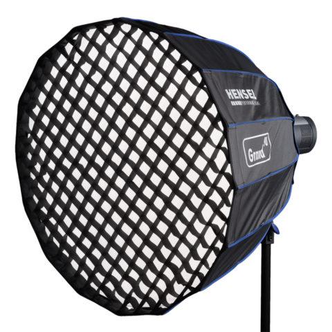 Насадка для студийного света типа соты не дает свету рассеиваться по сторонам и делает его направленным