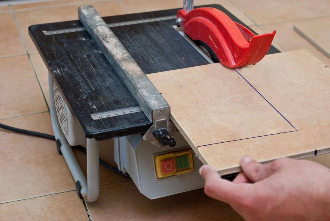 Электрические плиткорезы - какой выбрать и на что обратить внимание?